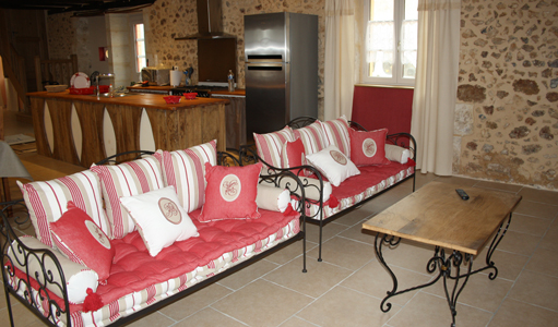 cottage-les-mapellous-living-room-Dordogne