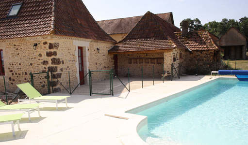 cottage-les-mapellous-pool-Dordogne